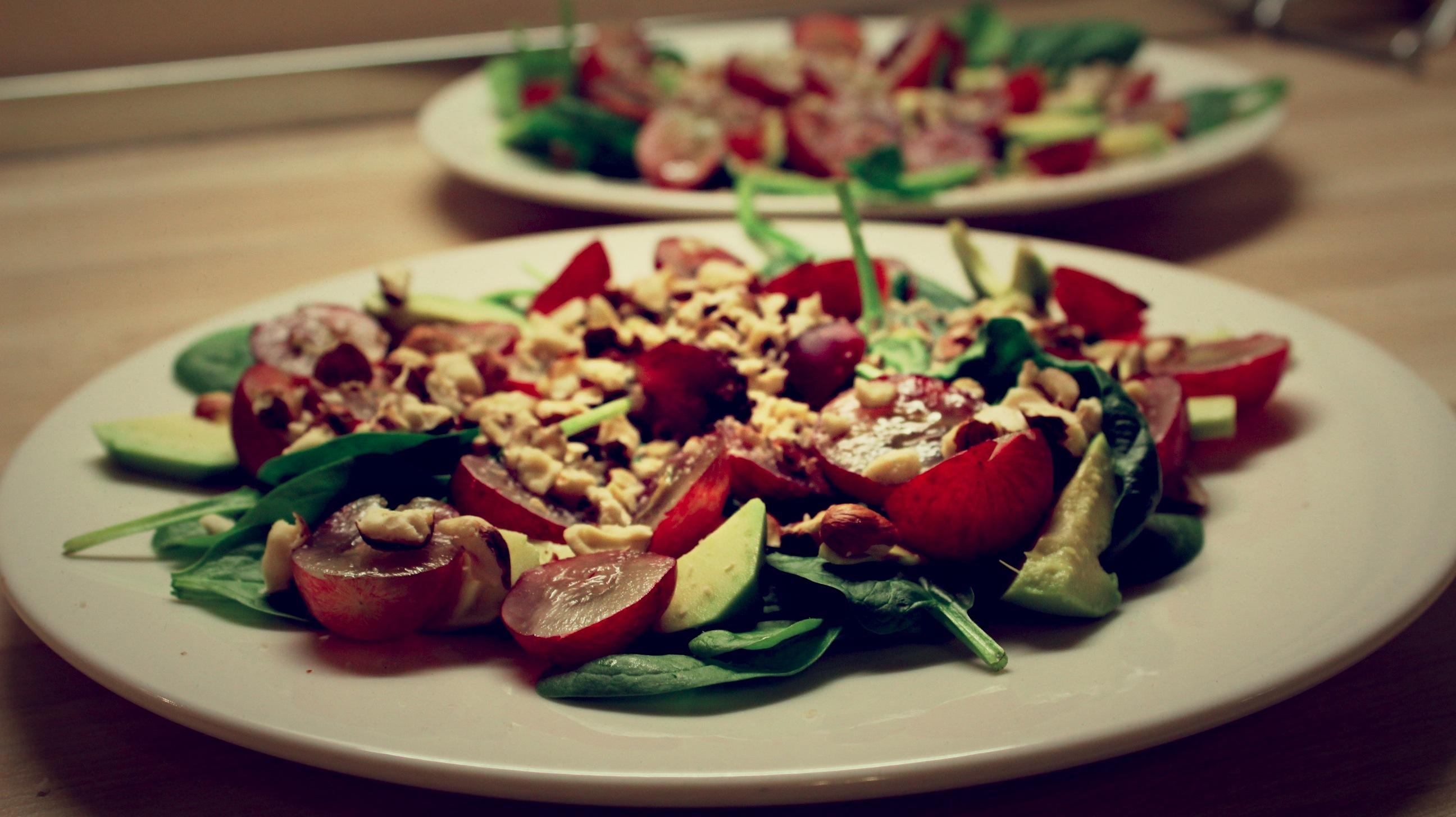 Vistas salāti ar vīnogām