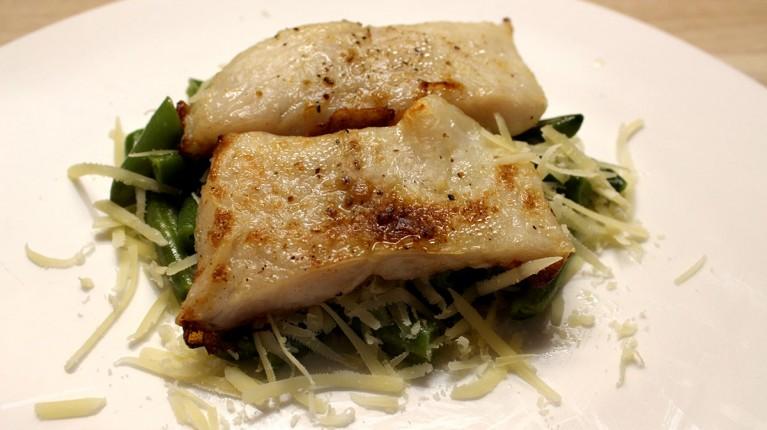 Zaļās pupiņas ar zivi