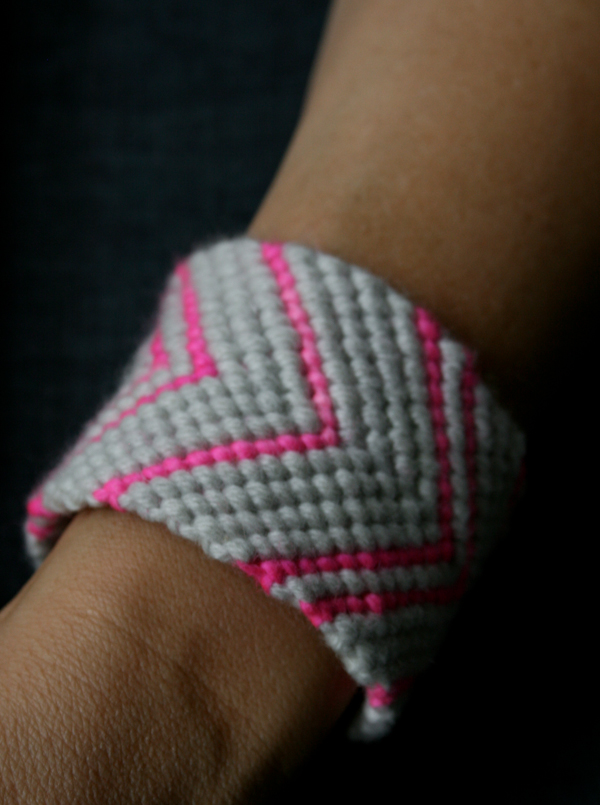 Radoša ideja: mezglota rokassprādze