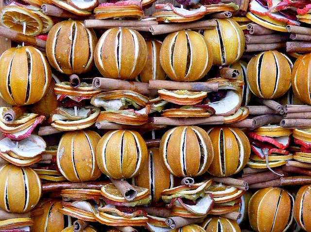 Svētku dekori no žāvētiem augļiem