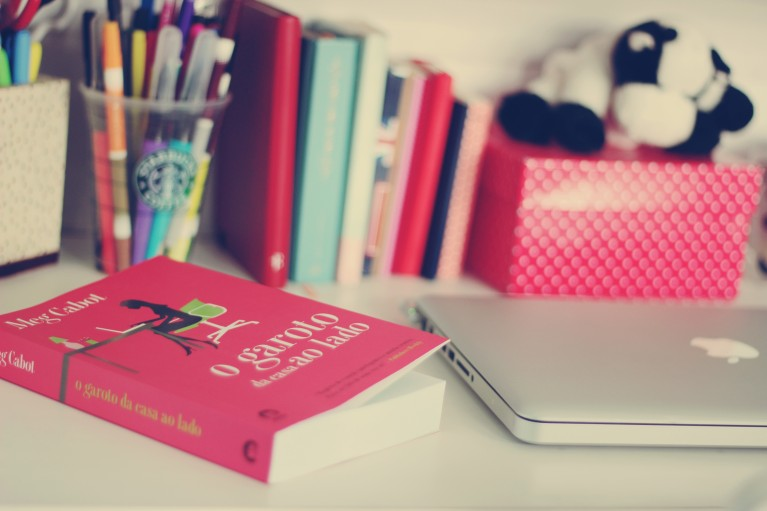 Book ans MacBook Pro