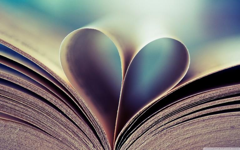 Books heart