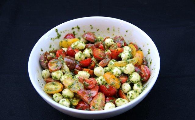 Tomato-mozzarella-caprese-filling-for-avocados