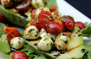 Tomato-mozzarella-caprese-stuffed-avocados