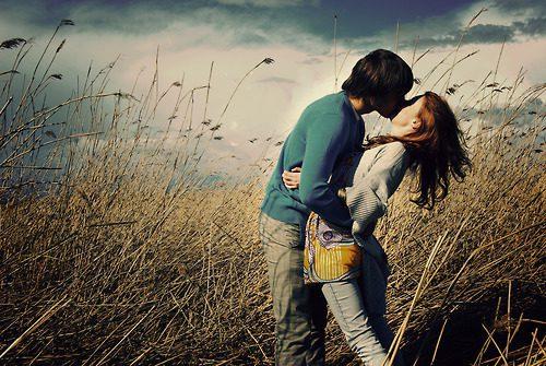 Kisses-3-love-18886362-500-335