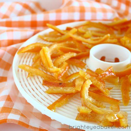 Sacukurotas apelsīna miziņas