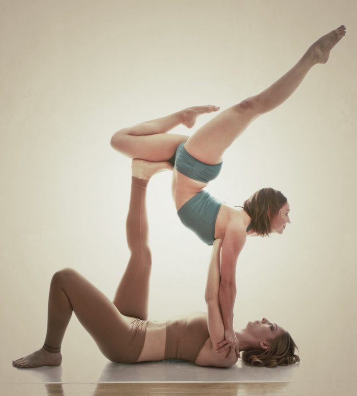 Īpašas jogas nodarbības – akrojoga